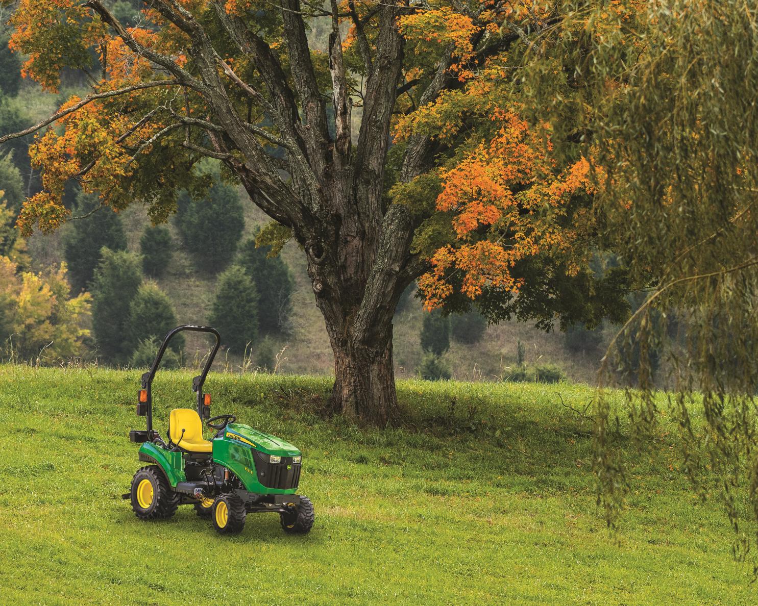 John Deere 1023E Compact Tractor_r4x000059